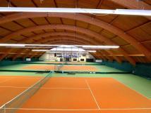 3-vnitn-tenisov-kurty-v-hotelu-bzky